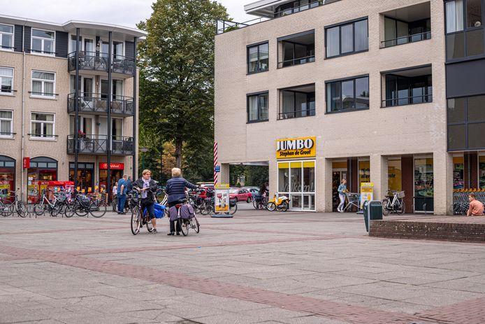 Het oude Elsenhof-plein, bij de Jumbo-supermarkt op Bergeijk 't Hof.