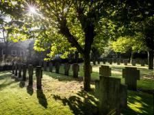 Nieuwsoverzicht | Indrukwekkende erehaag voor overleden Jesse (17) - Stoffelijke overschotten 201 paters worden opgegraven