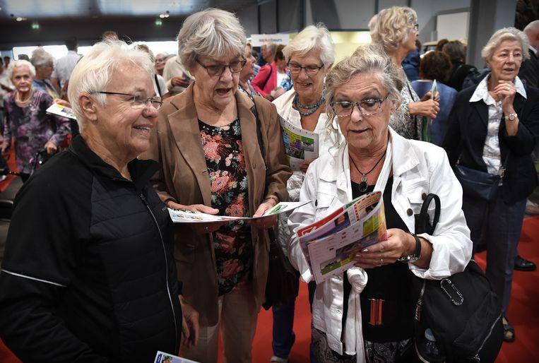 Bezoekers aan de 50+ beurs in Utrecht. Beeld Marcel van den Bergh / de Volkskrant