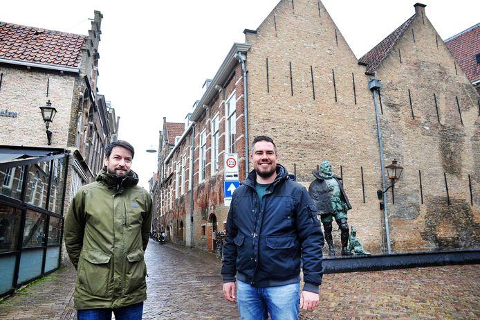 Tim Vrolijk (rechts) en Dave Smit van Bazen Brouwerij mogen samen met hun vastgoedinvesteerder Herman Mettes de Berckepoort  kopen om er een hotel met brouwerij, proeflokaal en grandcafé met terrassen van te maken. In het nieuwere deel van het complex krijgt veganistisch restaurant Daantje een plek.