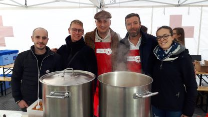 Sterrenchefs maken soep voor Brusselse daklozen