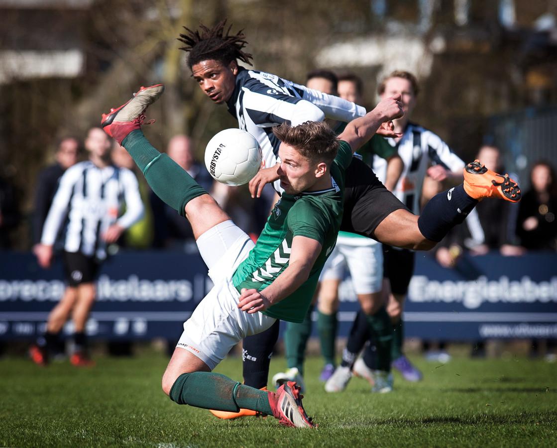 Verdediger Freek Grondman speelde dinsdagavond met Jong HSC'21 mee tegen Twenthe Goor.