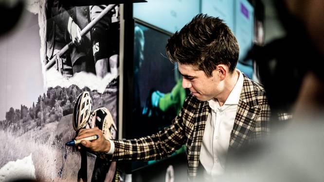 Behind the scenes: Wout van Aert en Sarah De Bie komen Kristallen Fiets ophalen in gebouw van DPG Media
