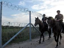 Hongarije stuurt vluchtelingen aan Servische grens terug
