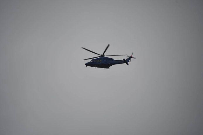 De politie heeft een helikopter ingezet om goed te zoeken naar de vermiste man.