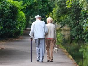Quelle est la différence entre l'épargne-pension et l'épargne à long terme?