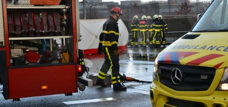 Twee doden en gewonde bij ernstig ongeval op viaduct boven A16 bij Prinsenbeek