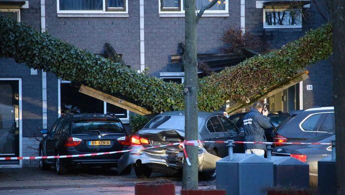 De Knokkestraat in Nieuw-West in februari 2015. Het dna van één van de vier jongens die er gearresteerd werden werd gevonden in een kelderbox van Jansen.