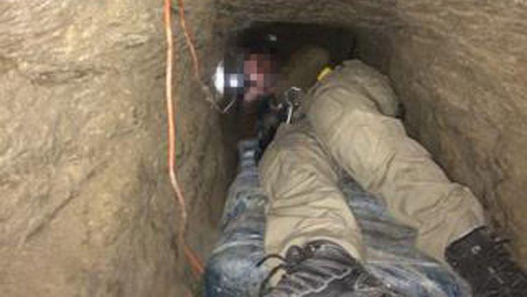 Archieffoto van de meer dan 700 meter lange tunnel die in april werd ontdekt onder de streng bewaakte Amerikaans-Mexicaanse grens. Beeld EPA