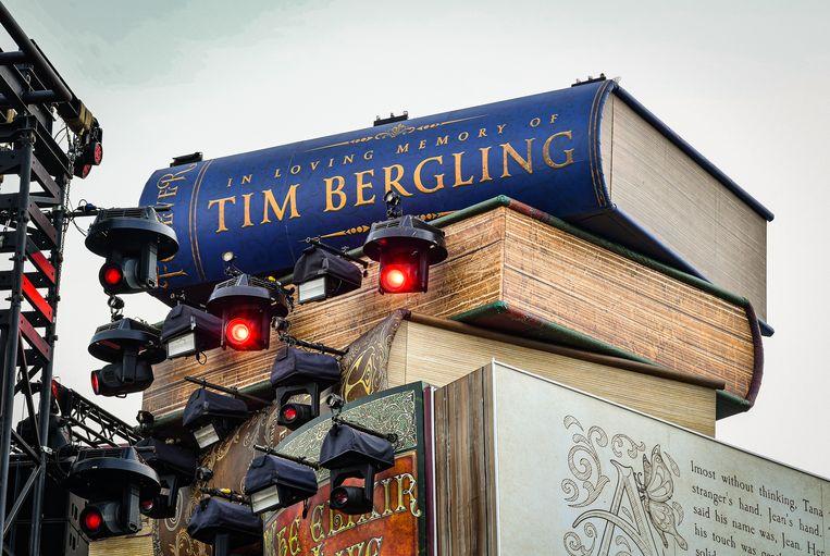 Het boek van Tim Bergling, alias Avicii, lag op de allerhoogste plank - het dichtst bij de hemel.