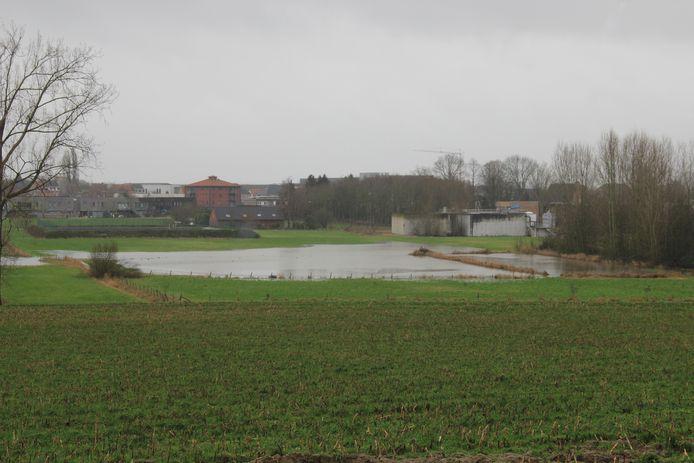 Op verschillende plaatsen in Ronse staat het water hoog.