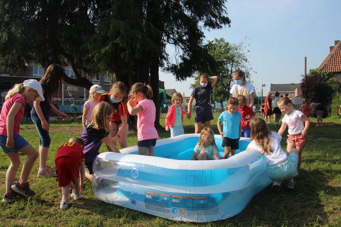 Het Sint-Lodewijkscollege in Doorslaar organiseerde een alternatief schoolfeest.