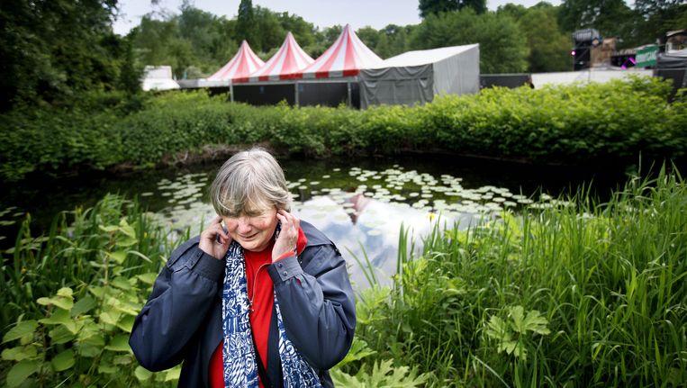 Omwonende Flora te Riet heeft veel last van het Open Air festival. Beeld Jean-Pierre Jans