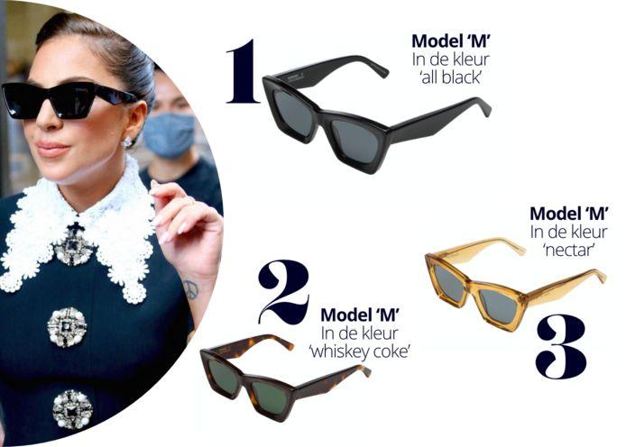 Model 'M' van de Komono x Eerebout-collectie. Gaga draagt de kleur 'all black'.