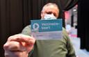 Viroloog Marc Van Ranst krijgt zijn AstraZeneca-vaccin in het vaccinatiecentrum in Willebroek.