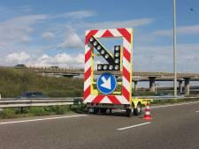 A15 richting Europoort weer vrij na ongeluk met pijlwagen
