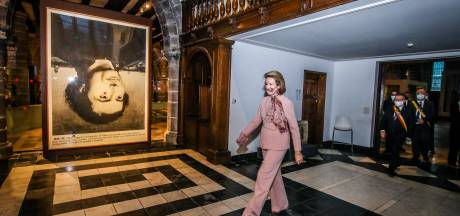 """Koningin Mathilde op eigen initiatief al voor tweede keer dit jaar weer in Brugge: """"Ze wilde expo rond Memling écht zien"""""""