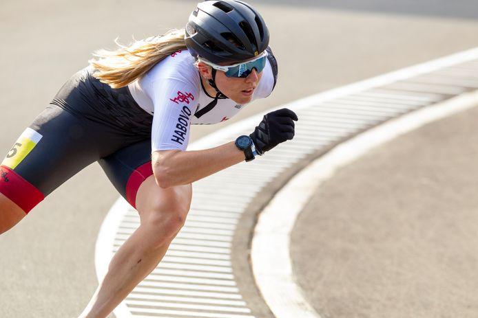 Elisa Dul won dit weekeinde de 500 en 1000 meter op haar thuisbaan in Heerde.