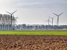Nieuwe kandidaat voor zonnepark bij Oosterhout, mogelijk derde windmolen