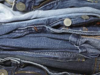 Jeans 3 maanden niet gewassen: zou jij hier aan snuffelen?
