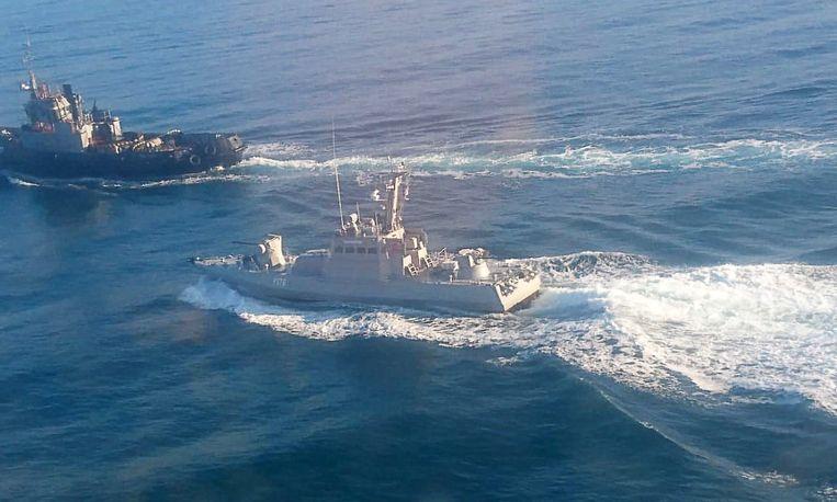 Volgens het Russische nieuwsagentschap Tass bevinden deze marineschepen zich in Russische wateren. Beeld Tass