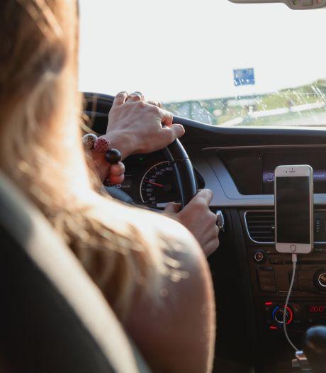 Politie helpt 'Casanova' op de snelweg in zoektocht naar 'leuke bestuurster'