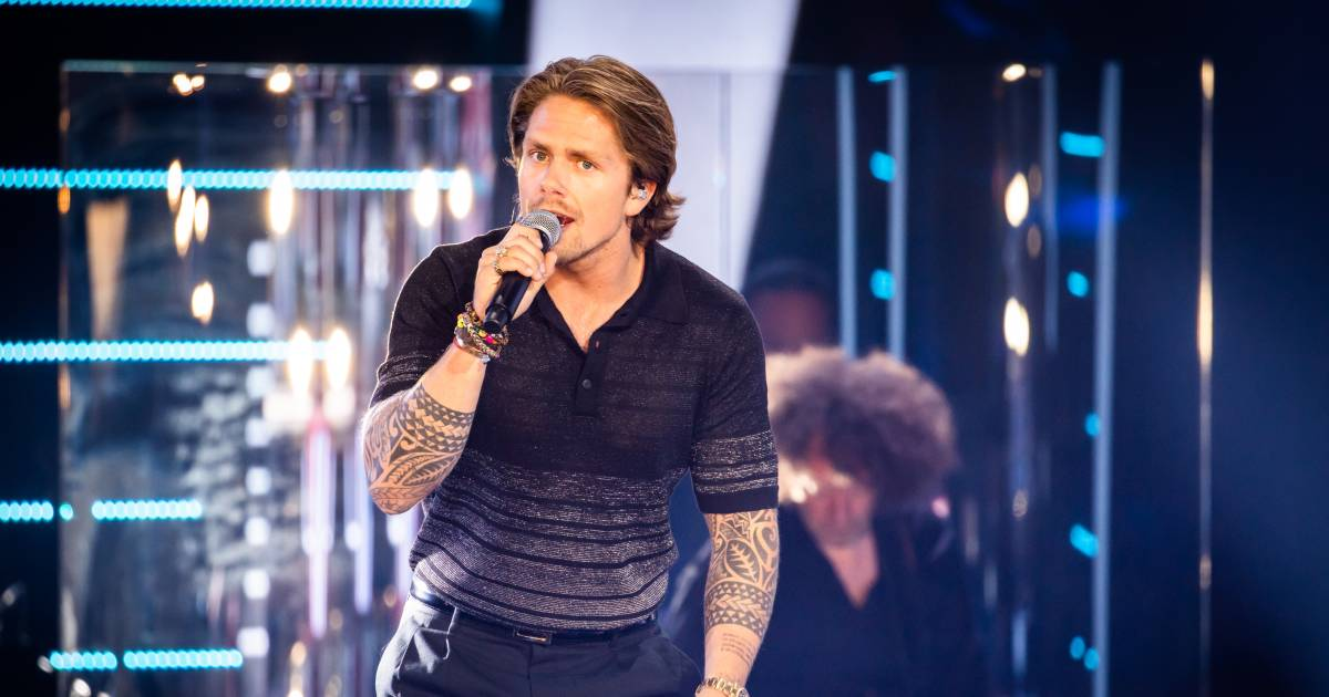 André Hazes en Tino Martin geven strandconcert | Show - AD.nl