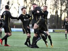 FC Winterswijk speelt zich veilig