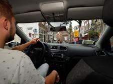 Is de binnenstad van Amersfoort met de auto écht zo'n doolhof? Verslaggever Johan nam de proef op de som