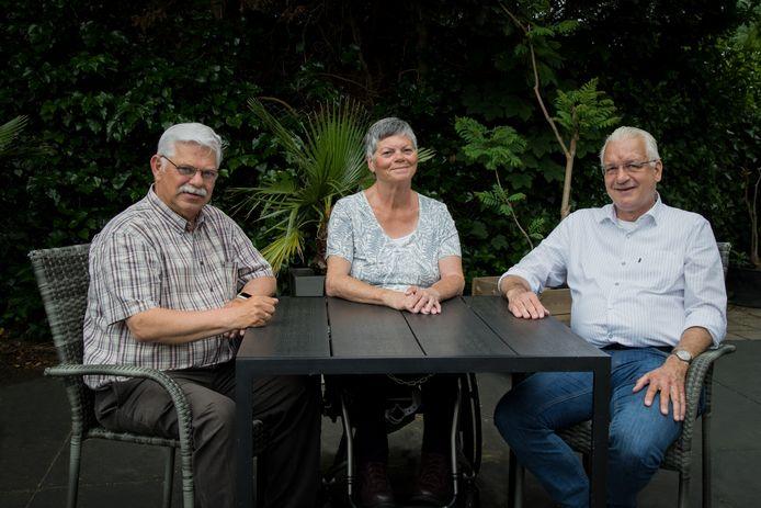 Hans de Vaan, Bea de Jongste en Luuk Ottens (vlnr) van de nieuwe politieke beweging Samen Waalwijk.
