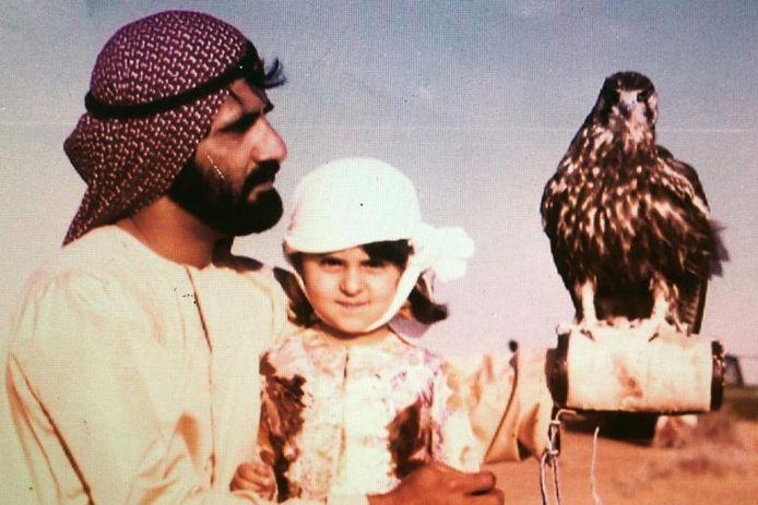 De sjeik met hun dochter Manal, die Randa al tientallen jaren niet meer mag zien of spreken.
