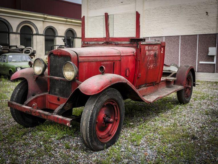 Ook een brandweerwagen van Chevrolet zit bij de collectie.  Beeld rv