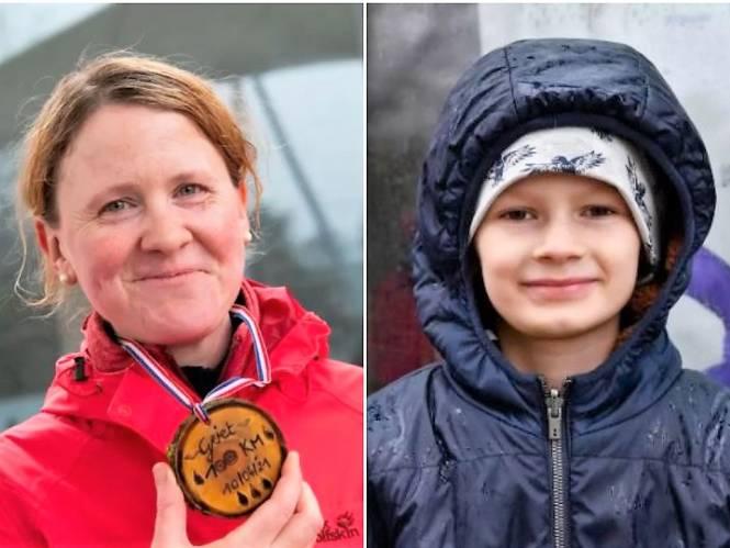 """""""Mijn dappere tante geeft me moed om kanker te overwinnen"""": Griet (38) stapt 100 kilometer in regen en kou voor ziek neefje Thomas (8)"""