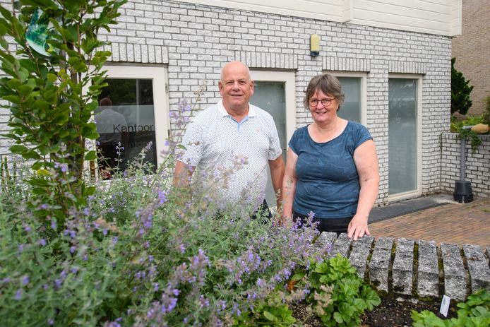 Henk en Els Goor hebben een bed and breakfast én kantklosatelier Elisabeth ineen.