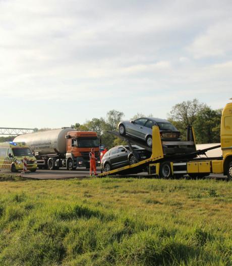 Ongeluk met twee auto's op A1 tussen Holten en Bathmen