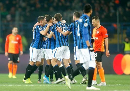 Feest bij Atalanta na de 1-0 bij Sjachtar.