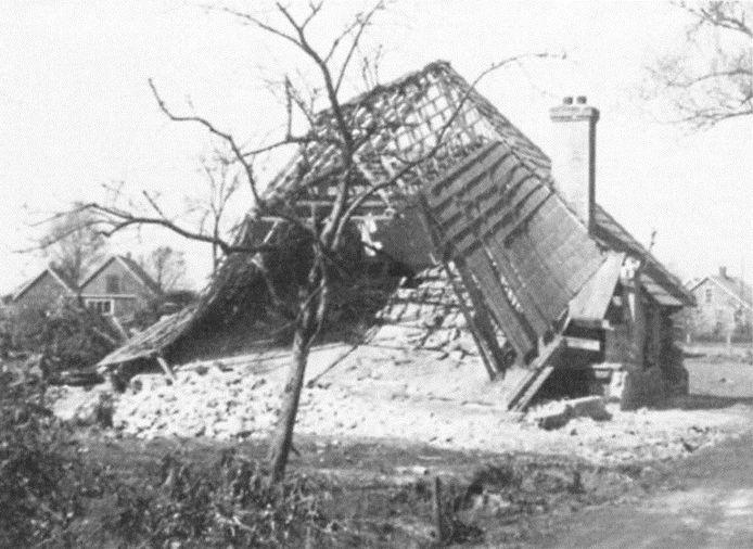 Het bombardement richtte veel schade aan. Van het huis van de familie Noordink bleef nagenoeg niets over.
