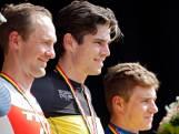 Van Aert is Belgisch kampioen na millimetersprint tegen Theuns en Evenepoel!