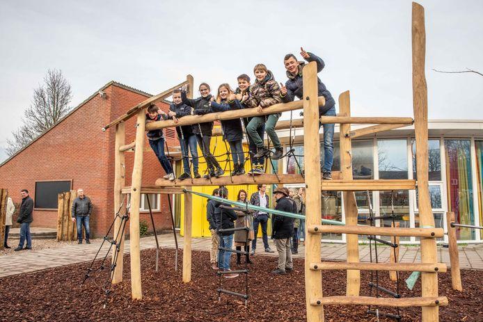 Basisschool De Kamperschouw in Kamperland opende eerder dit jaar al het vergroende schoolplein.