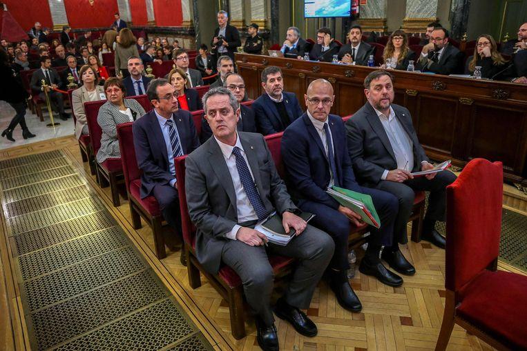 Leiders van de Catalaanse separatistische beweging tijdens hun proces in 2019. Ze kregen maandag gratie. Beeld AFP