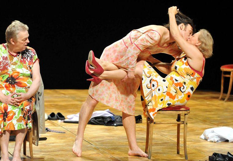 Ook het internationaal bekende Les Ballets C. de la B. verliest de helft van zijn subsidies. Beeld AFP
