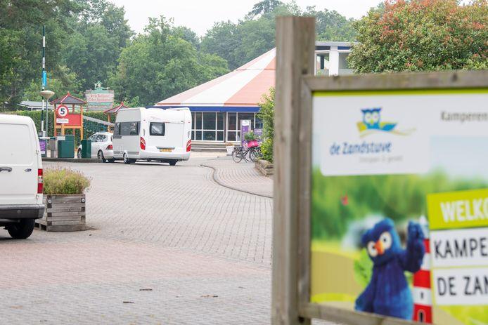 In een van de toiletgebouwen van Kampeerdorp de Zandstuve vond maandag 12 juli een zedenincident plaats. De politie is nog altijd bezig met het onderzoek.