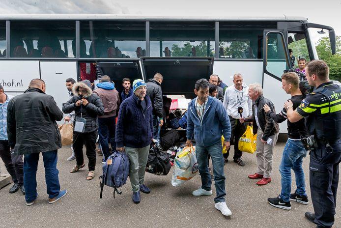 In het Autotron in Rosmalen werden vijf jaar geleden zo'n 500 vluchtelingen opgevangen.