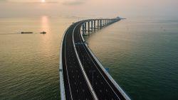Langste zeebrug ter wereld monitort hartslag, bloeddruk én het geeuwen van bestuurders