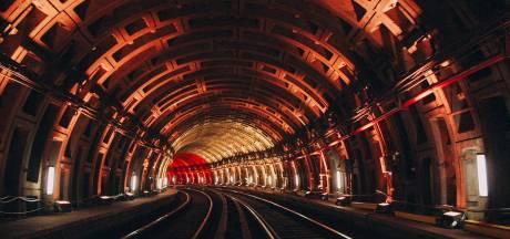 Avez-vous vu le jeu de lumière aux couleurs nationales dans le métro bruxellois?