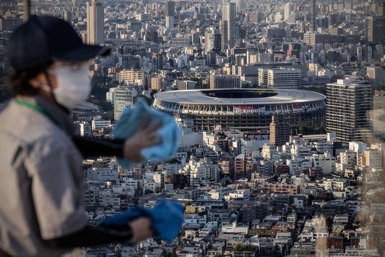 Zicht op het stadion in Tokio waar vrijdag de openingsceremonie van de Olympische Spelen is.  Beeld Getty Images