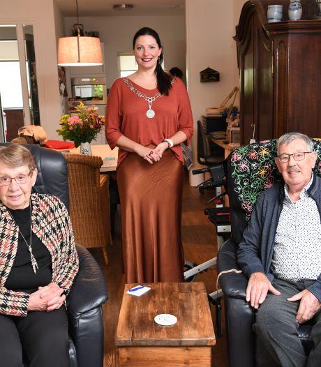 Reden voor een feestje bij Frans en Riet: ze zijn zestig jaar getrouwd!