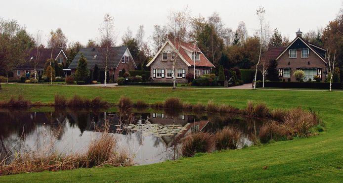 Permanente bewoning van zomerhuisjes, zoals hier in Gelselaar, is al jaren in vele gemeenten een hoofdpijndossier.