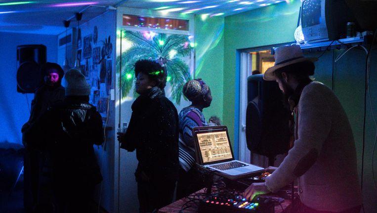 Met een klein feestje in de studio in Florijn werd de start van het muziekproject luister bijgezet Beeld Joris van Gennip