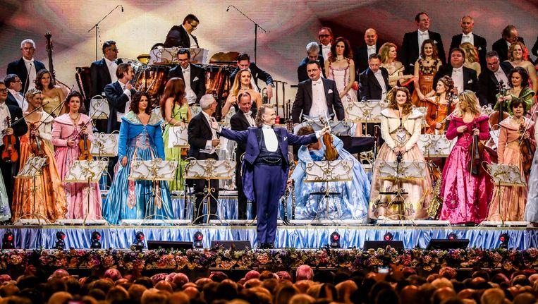 Het concert vindt plaats op 6 januari, zo kondigt de violist en orkestleider woensdag aan. Beeld anp
